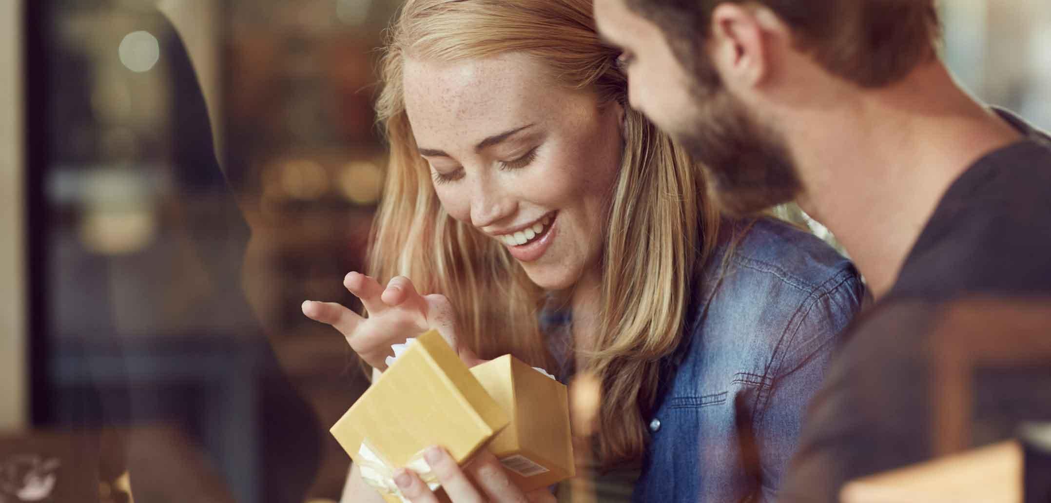 Romantische Dinge für eine Frau zu tun