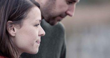 Anzeichen für einen betrügerischen Partner in einer Beziehung