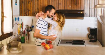 Kitchen Couple: Avocado-Omega3-Booster
