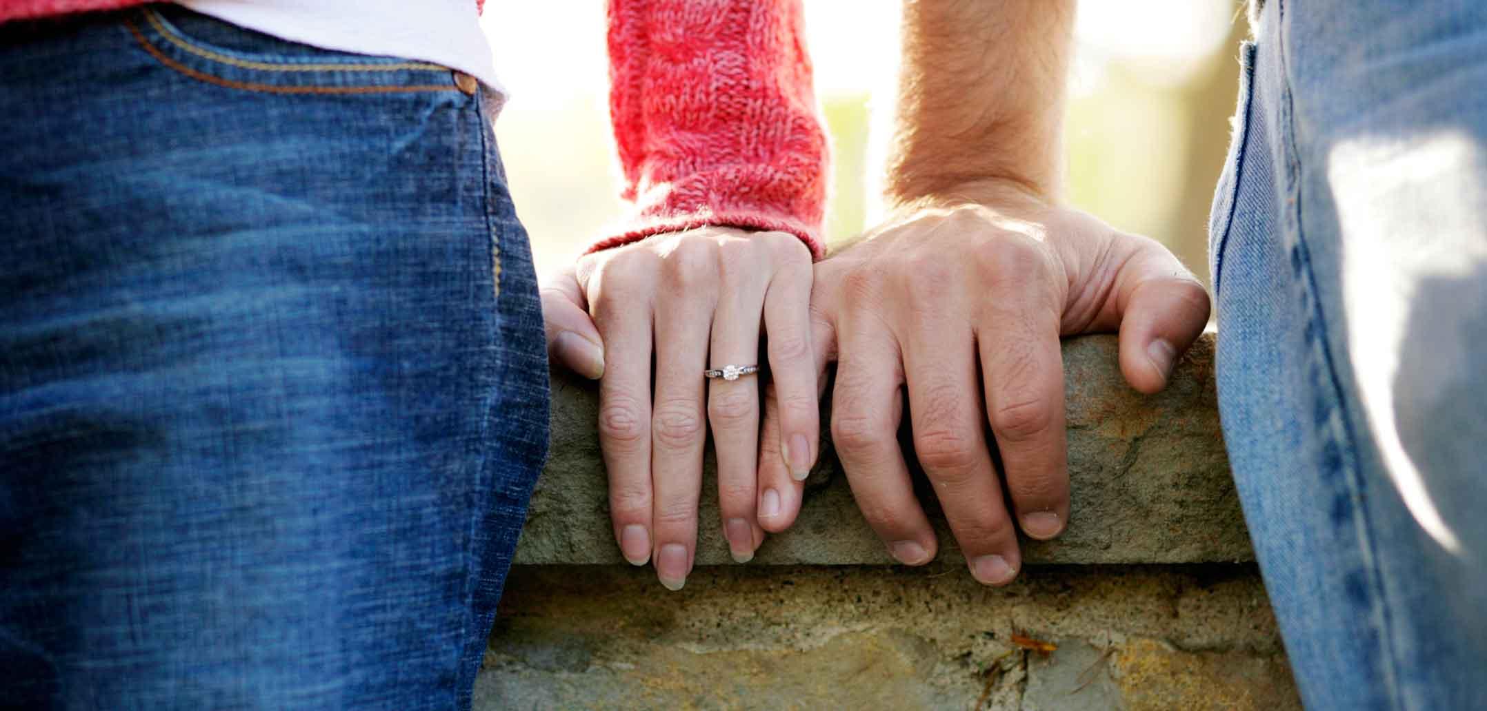Bald verlobt? Diese Zeichen sprechen dafür