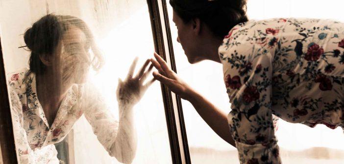 Verliebt in das eigene Spiegelbild