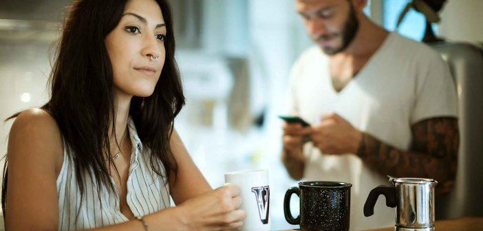 Warum Misstrauen die Beziehung zerstört