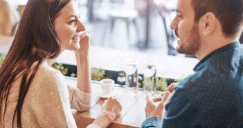 Beim Date sollten wir uns gegenseitig kennenlernen - und uns nicht nur selbst darstellen