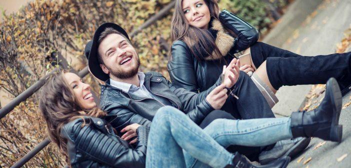 Eine dritte Person kann bereichernd für die Beziehung sein