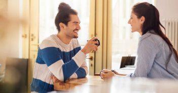 Was tun gegen Schüchternheit beim Date?