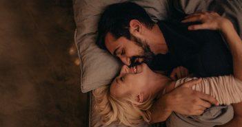 Sexout klingt erstmal hart, kann aber die Beziehung und das Sexleben enorm verbessern