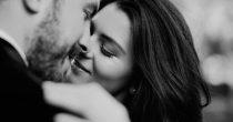 Auch Männer wünschen sich mehr Nähe in der Beziehung