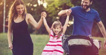 Tanten und Onkel spielen eine bedeutende Rolle im Leben des Kindes
