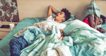 Das Bett nicht mehr zu teilen, kommt für viele Paare nicht in Frage