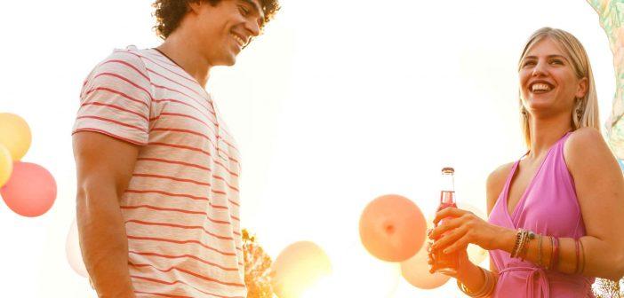 Warum man sein Date lieber nicht zu einer Party schleppen sollte