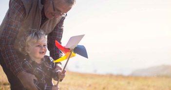 Oma, Opa, Enkel - eine wichtige Verbindung