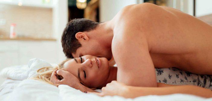 Leistungsdruck im Bett kann bei Männern zu Problemen führen
