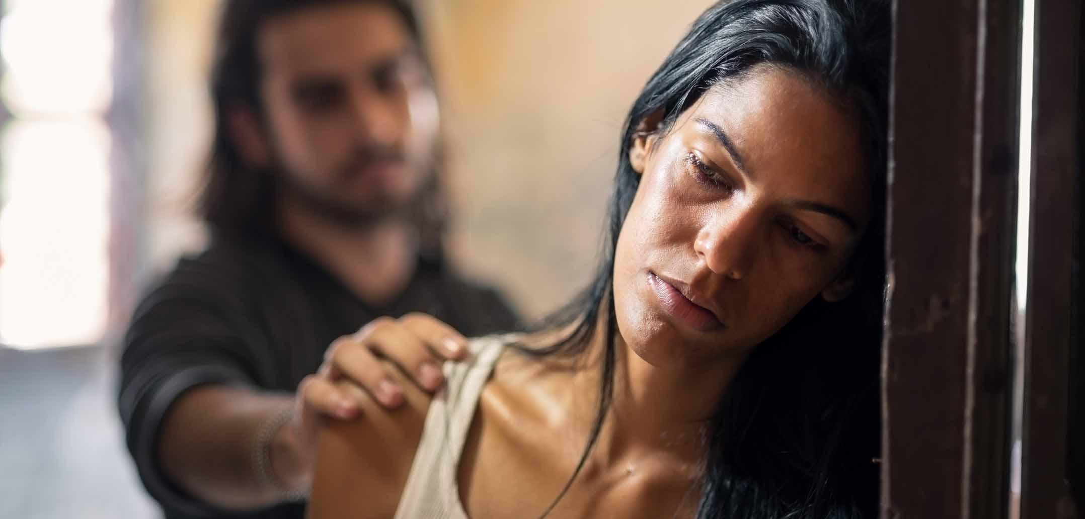 """Gewalt in der Ehe – Wenn einem Partner """"die Hand ausrutscht"""""""