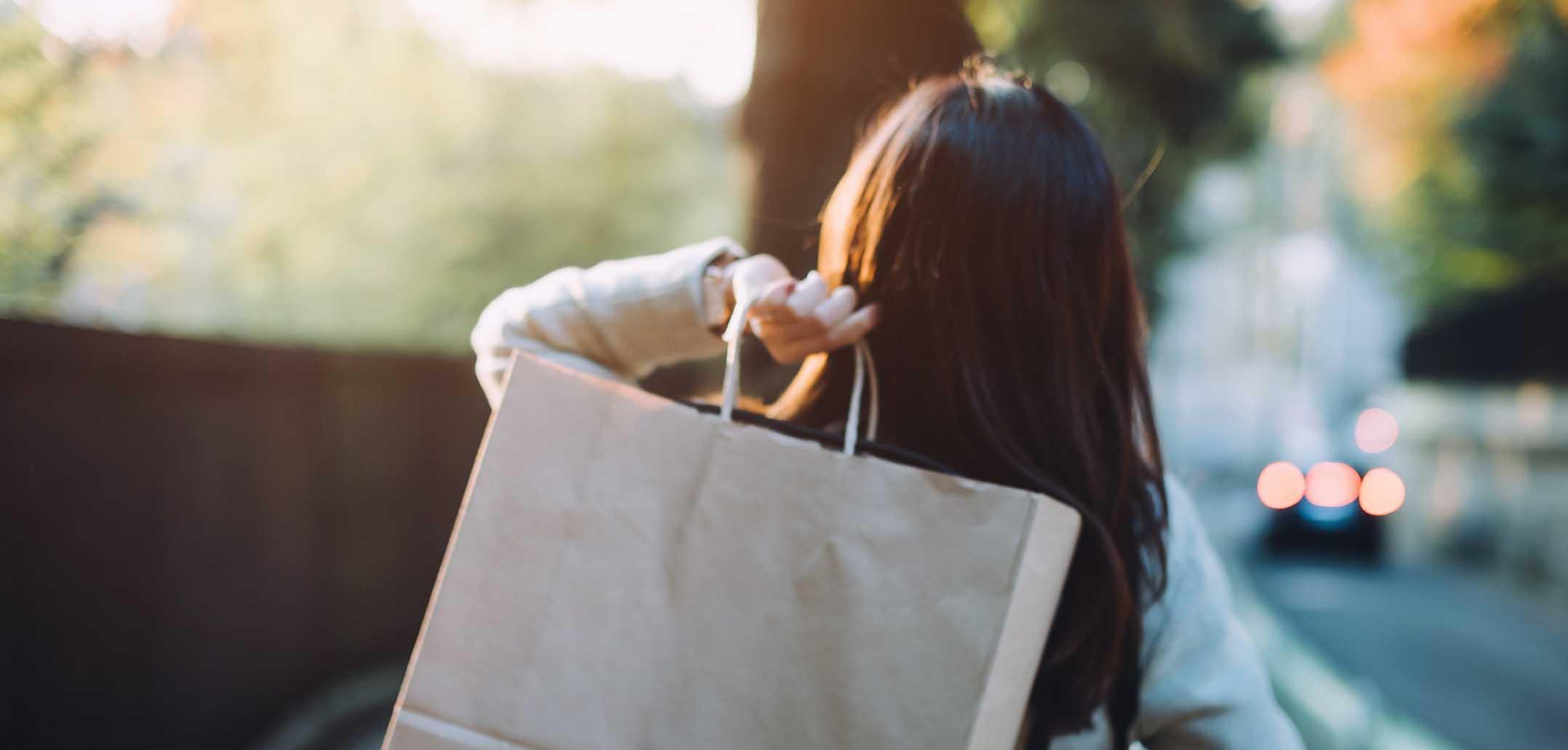 Frauen im Sex Shop