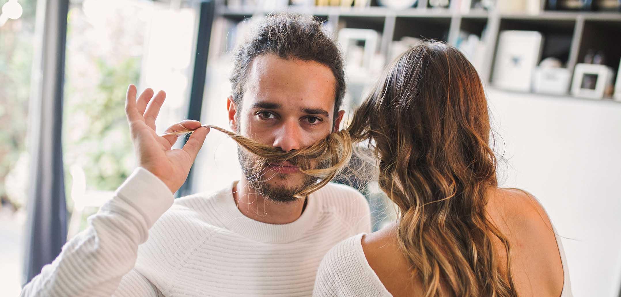 Stehen Frauen eher auf Männer mit Bart?