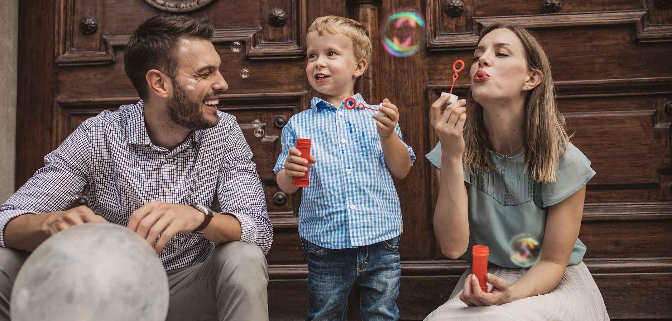 Glückliche Familie trotz Trennung
