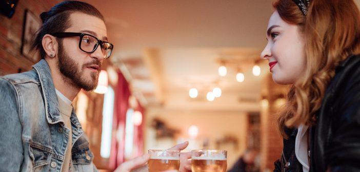 Dating-Experte hilft Männern eine Frau zu finden