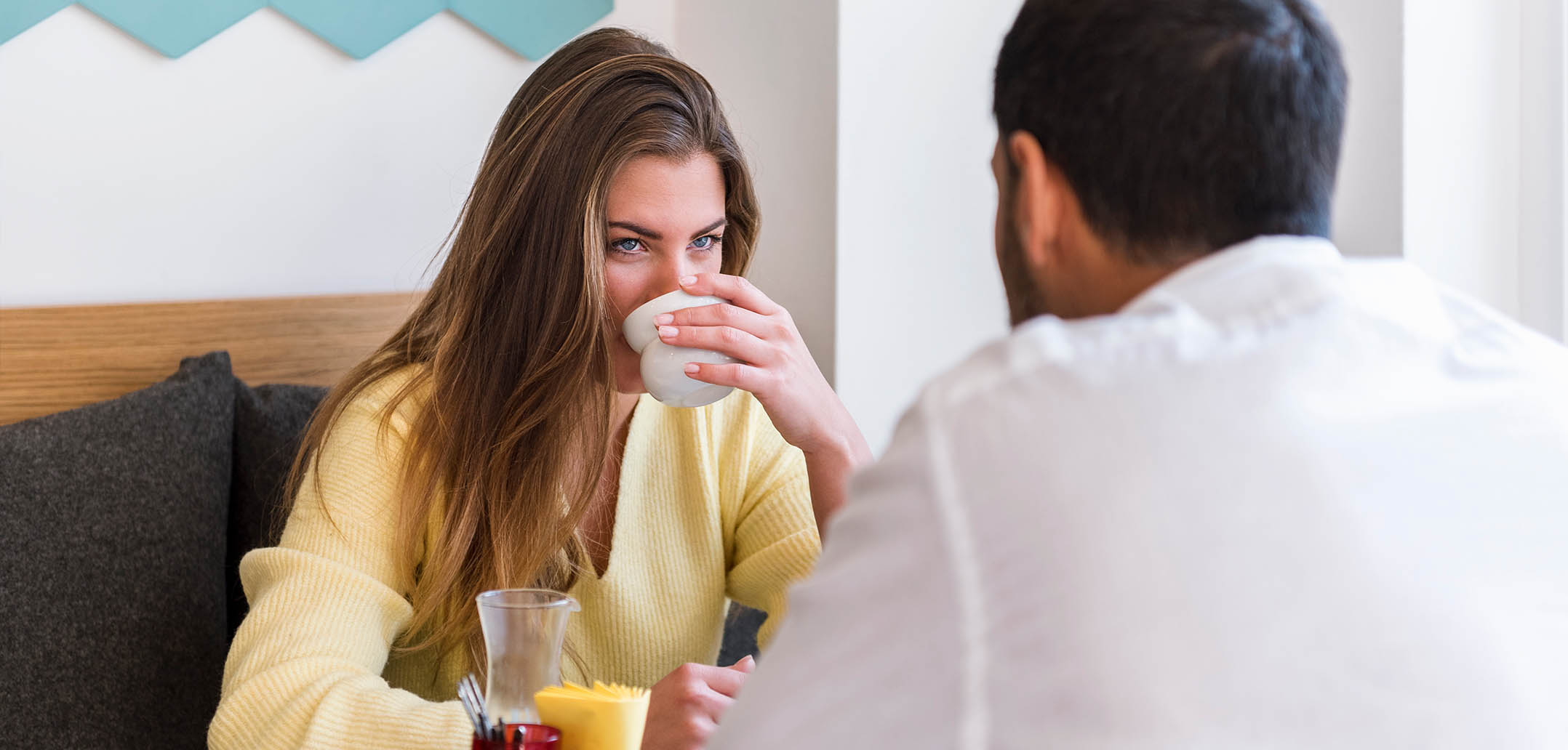 Wenn Sie sich unsicher sind bei Ihrem Date, stellen Sie ihm diese Fragen